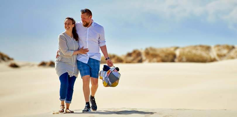 Römö FAQ's - Paar am Römö Strand